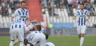 Karlsruhe make ground on mid table with win over Kaiserslautern