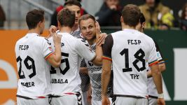 Pauli bounce back to beat Lautern