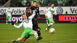 Hamburg tame Wolves in their own lair