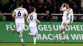 Ten-man Gladbach beat Darmstadt in end-of-year thriller