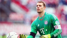 Neuer signs contract extension at Bayern
