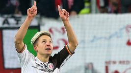 Pauli earn promotion boost with win over leaders Leipzig