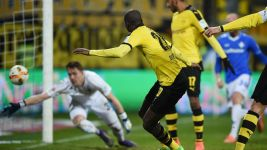 Dortmund prove too classy for spirited Darmstadt