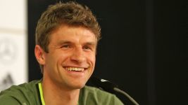 Germany's Müller talks up England and Italy friendlies