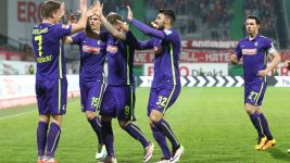 Freiburg reclaim top spot after dramatic win at Fürth