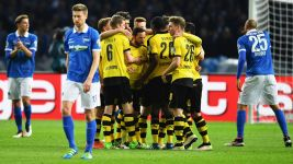 Dortmund beat Hertha to set up Klassiker final against Bayern