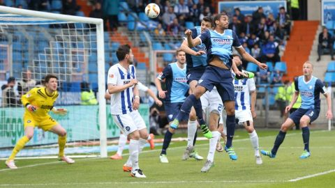 Bochum and Karlsruhe share the points