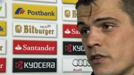 Gladbach's Xhaka aiming to spoil Bayern title party