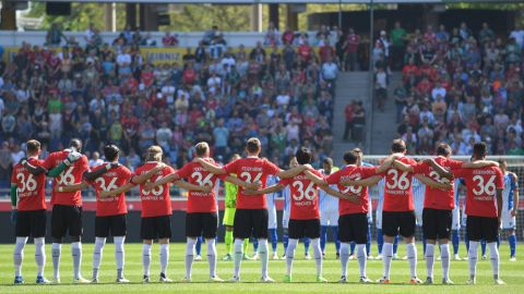 Hannover pay tribute to Niklas Feierabend