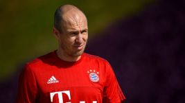 Bayern duo return to training