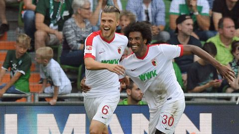 Augsburg turn tables on Bremen