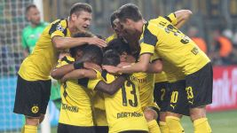 Dortmund crush Legia