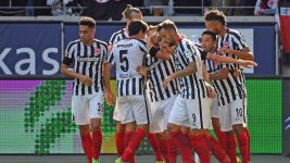Frankfurt rescue draw in Hertha thriller