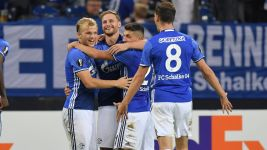 Schalke ease to victory over Salzburg