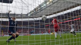 Frankfurt's Fabian keeps Bayern in check