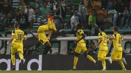 Dortmund roar past Sporting