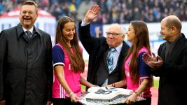 Watch: Warm celebrations as Uwe Seeler turns 80