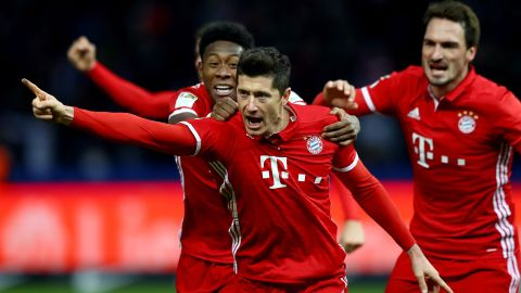 Lewandowski grabs late draw for Bayern