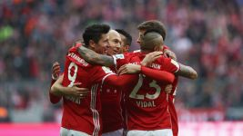 Lewy bags 100th Bayern goal; BVB and Leipzig lose