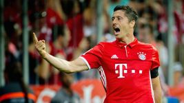 Watch: Bayern put six past Bremen