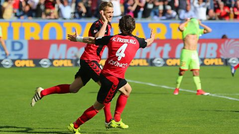 Super-sub Petersen sinks Mainz