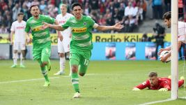 Gladbach skipper Stindl extends contract