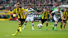 Watch: Gladbach 2-3 Dortmund - highlights