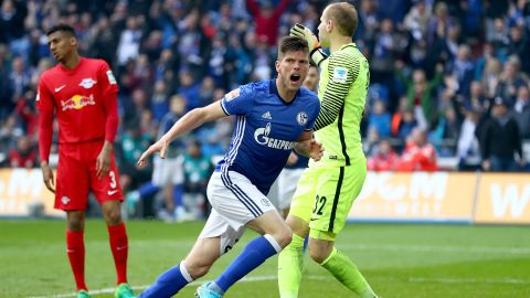 As you were at the top as Schalke hold Leipzig
