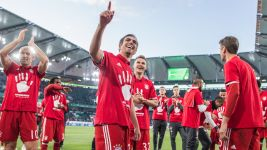 Bayern crowned, Darmstadt fight on!