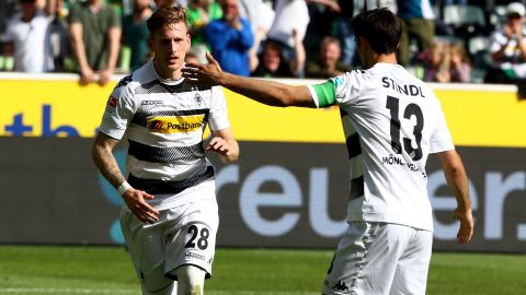 Watch: Gladbach 1-1 Augsburg - highlights