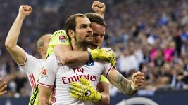 Last-gasp Lasogga rescues HSV at Schalke