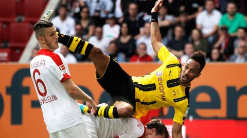Dortmund frustrated by Augsburg
