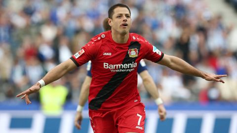 Leverkusen's Chicharito as ruthless as ever