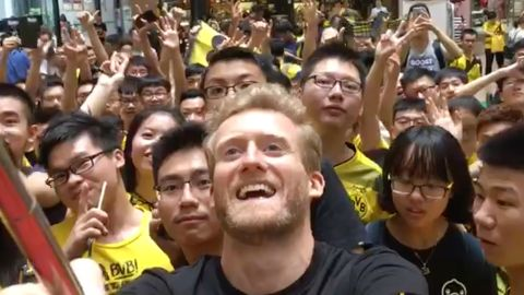 Watch: Schürrle meets Asian fans