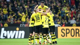 Weigl and Isak add to BVB's dream start