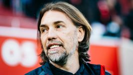 Schmidt replaces Jonker as Wolfsburg coach