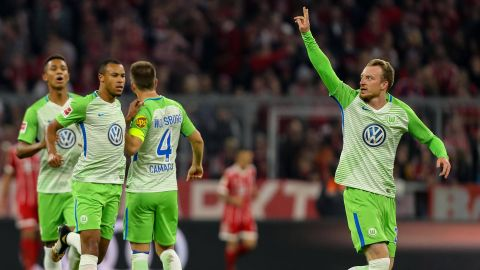 Wolfsburg stun Bayern with draw