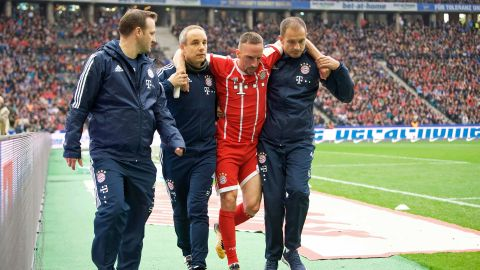 Ribery out indefinitely with ligament tear