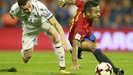 Bayern's Thiago sustains injury with Spain