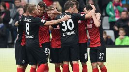 Freiburg top after Fürth demolition
