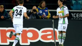 In-form Gladbach down Schalke