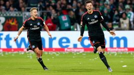 Hamburg claim derby spoils at Bremen
