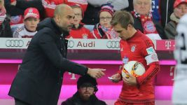 Lahm: 'Guardiola told me to score!'