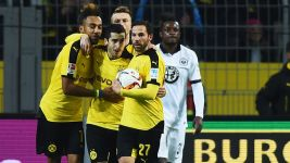 Stylish Dortmund ease past Frankfurt
