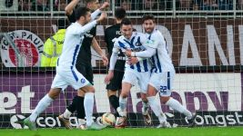 Karlsruhe snatch lucky win away to St. Pauli