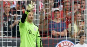 Neuer voted World's Best Goalkeeper; joins Alaba in UEFA TOTY