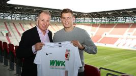 Iceland international Finnbogason joins Augsburg