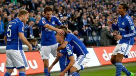 Schalke delight in Wolfsburg demolition