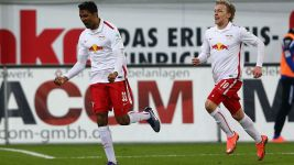 Leaders Leipzig edge narrow win over Paderborn