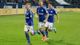 Schalke ram home man advantage against Hamburg